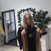 Продати волосся дорого в Кривому Роге.Стріжка в подарунок